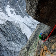 Alpine rock climbing in pitches