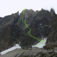 In the middle of the complex south-east face of Grepon unwinds one of Chamoinx's greatest classics; Grepon-Mer-de-Glace, D, 850m, first done in 1911!