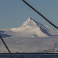 Svalbard-ski-and-sail-0701a