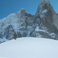 Skiing below the Dru