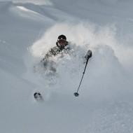 Early season powder skiing i St Anton