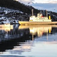 Ferry from Lyngseidet