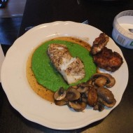 Fresh cod and mashed pees