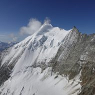 Weisshorn est ridge from the right to the summit